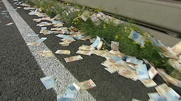 , картинки приколы деньги на дороге найдешь