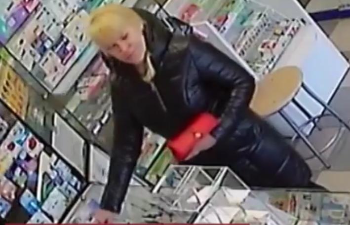 В Иркутске разыскивают женщину по делу о мёртвом младенце на остановке(видео)