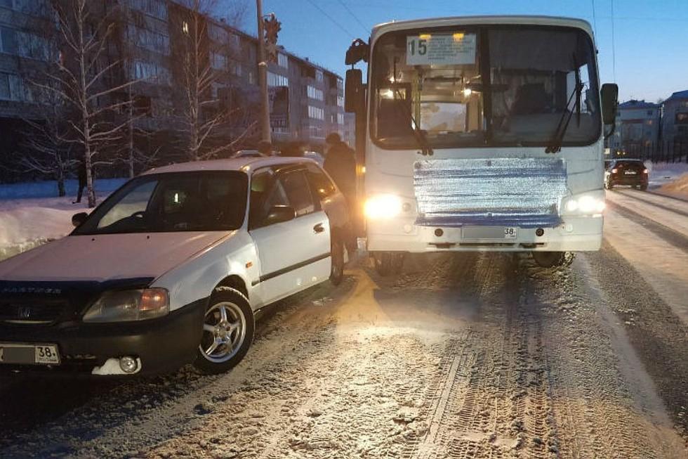 70 тысяч выплатят семье школьника, которого зажало дверью автобуса в Ангарске этой зимой