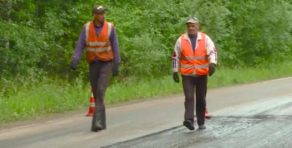 Ремонт на дороге АЭХК закончат в конце июля(видео)