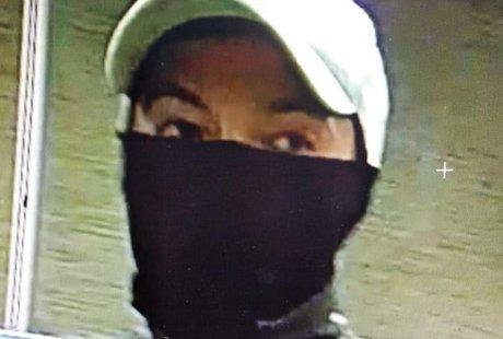 Нападение на АЗС — розыск подозреваемого(видео с камер наблюдения)