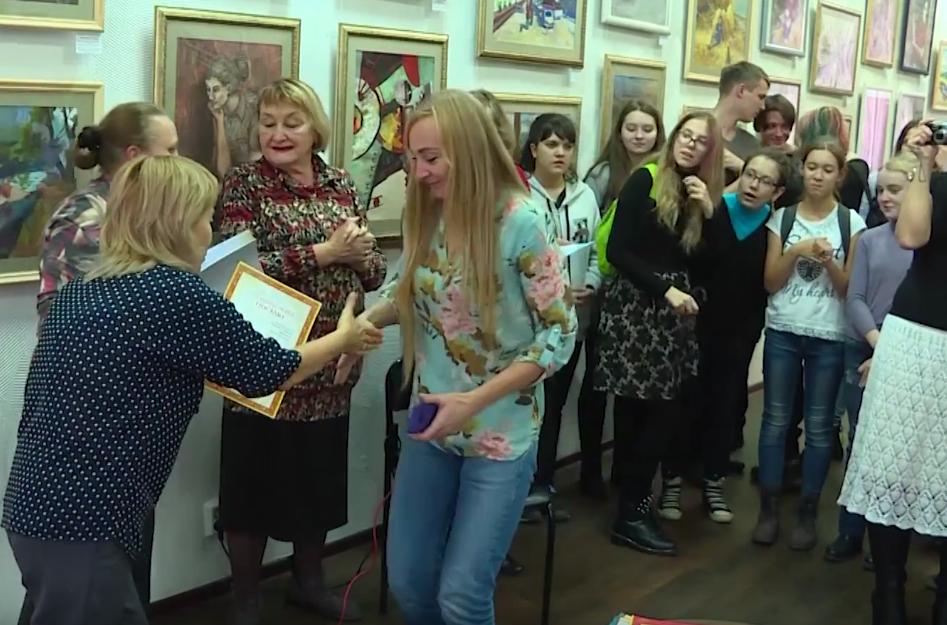 Именная стипендия для юных ангарских художников (видео)