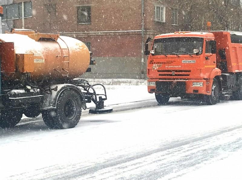 В Ангарске дорожные службы оперативно приступили к работам по устранению последствий снегопада