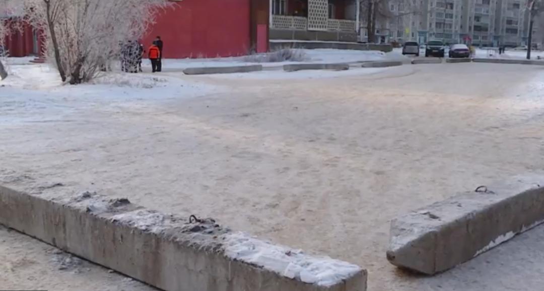 Захват территории: жители 212 квартала делят дорогу (видео)