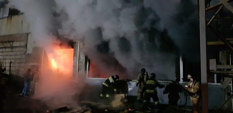 В Ангарске сгорел склад комплектующих к стиральным машинам (+фото)