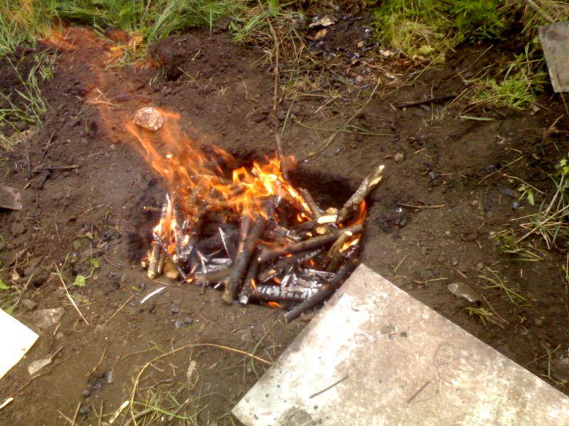 В Ангарске мужчина убил знакомого, сжег тело и утопил его машину…