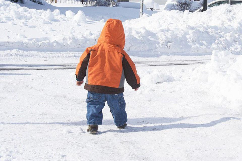 В Иркутской области ребенок замерз насмерть, пока родители тушили пожар в школе…