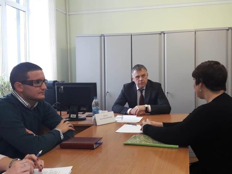 Записаться на прием к мэру Сергею Петрову можно в любой рабочий день