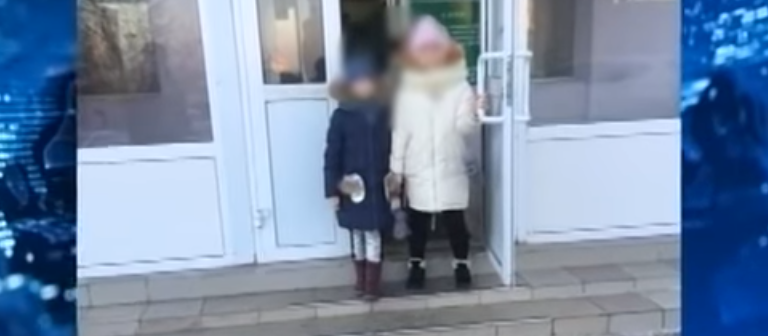 Две школьницы попали в реанимацию после прививки (видео)