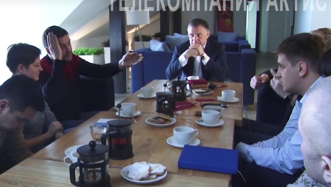 Неслучайный разговор (видео)