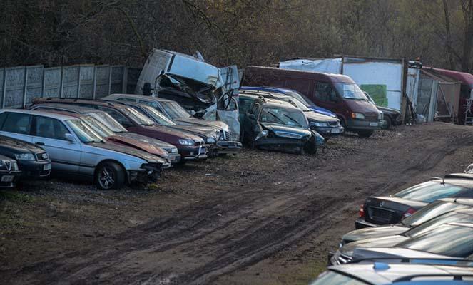 Наглый ангарчанин продал автомобиль со штрафплощадки ГИБДД