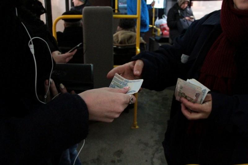 Трех перевозчиков в Ангарске подозревают в нарушении закона при повышении стоимости проезда