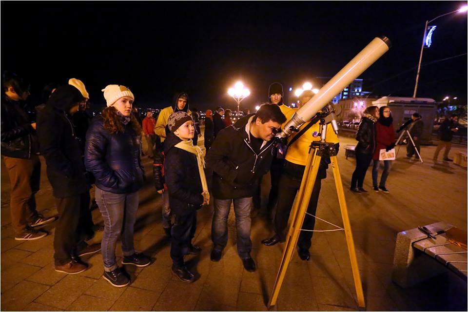 Всемирная ночь тротуарной астрономии пройдёт сегодня в Иркутской области (видео)