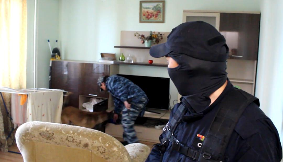 Более 80 граммов кокаина и 218 таблеток экстази изъяли у жителя Ангарска