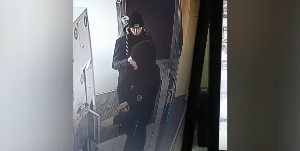 В Ангарске осудили подростков, укравших ноутбук из камер хранения «Командора» (видео)