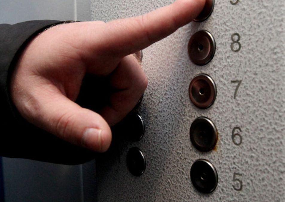 Неработающие почти год лифты запускают в Ангарске (видео)
