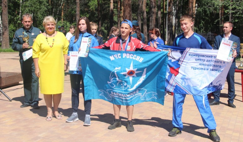 Ангарчане заняли второе место на межрегиональных соревнованиях «Юный спасатель»