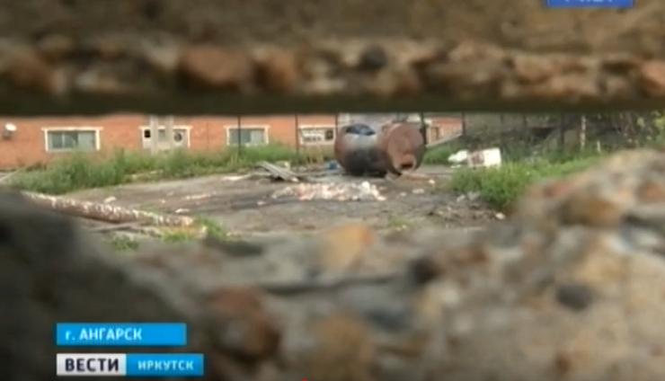 Дача в промзоне. Жители ангарского садоводства «1 мая» жалуются на запах и смог (видео)