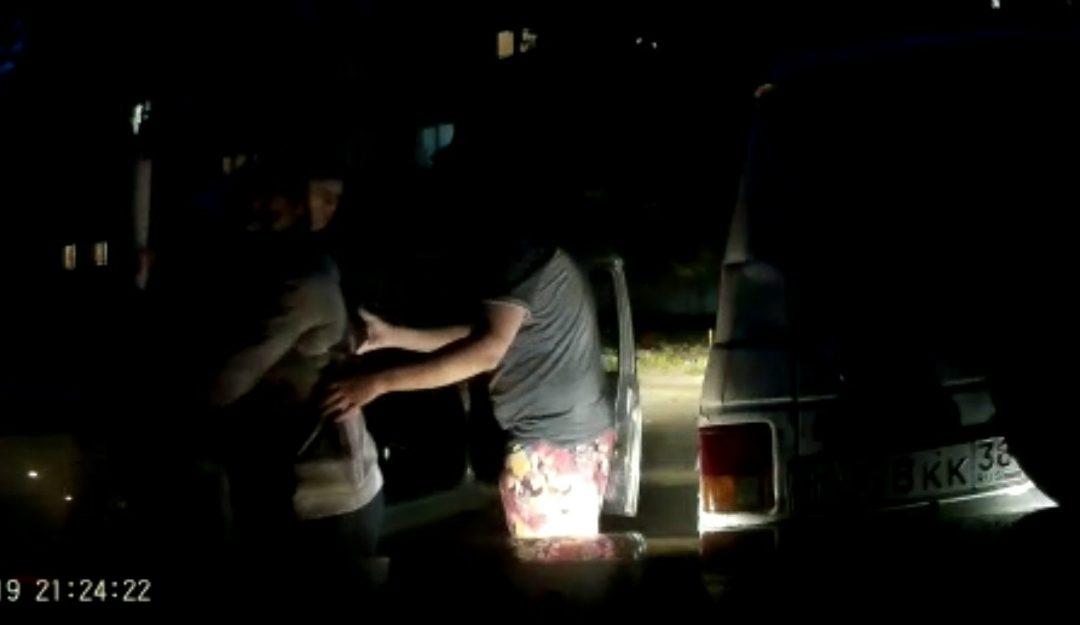Видео блокировки пьяного в Ангарске экипажем ДПС и двумя гражданскими авто (13.08.2019)