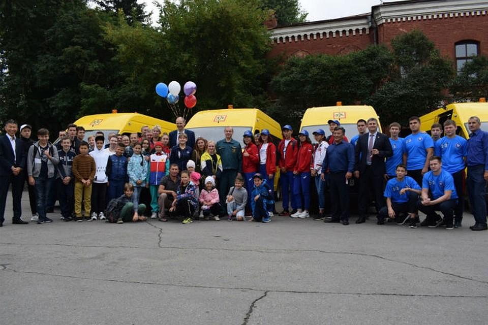 Ангарское училище олимпийского резерва получило новый автобус