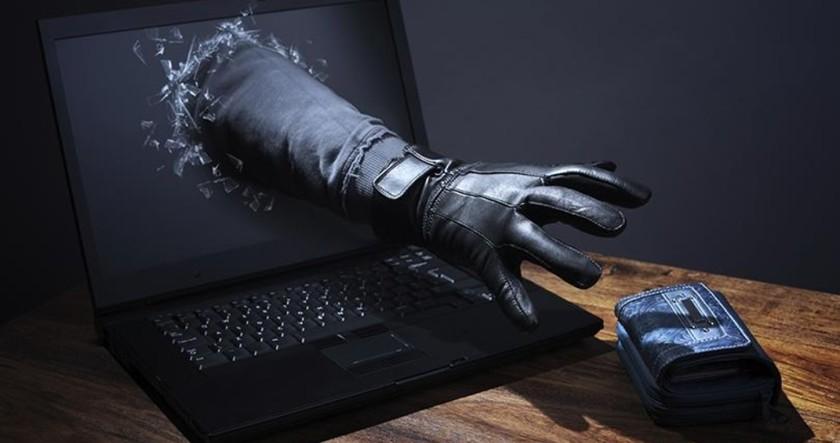 Всего за сутки интернет — мошенники обманули 5х доверчивых граждан Иркутской области.