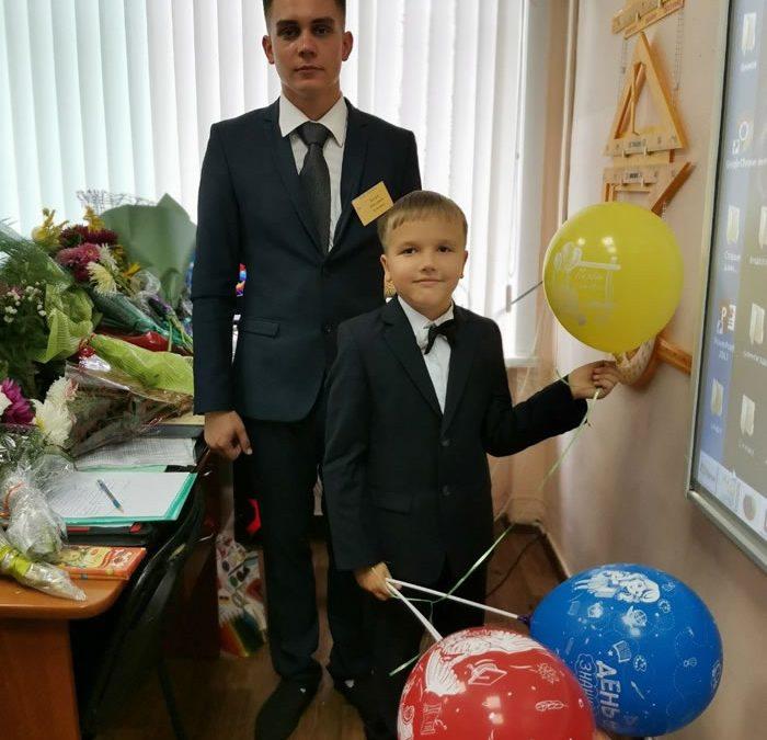 «Я не ошибся с профессией» — 21 год самому молодому учителю в Ангарске.