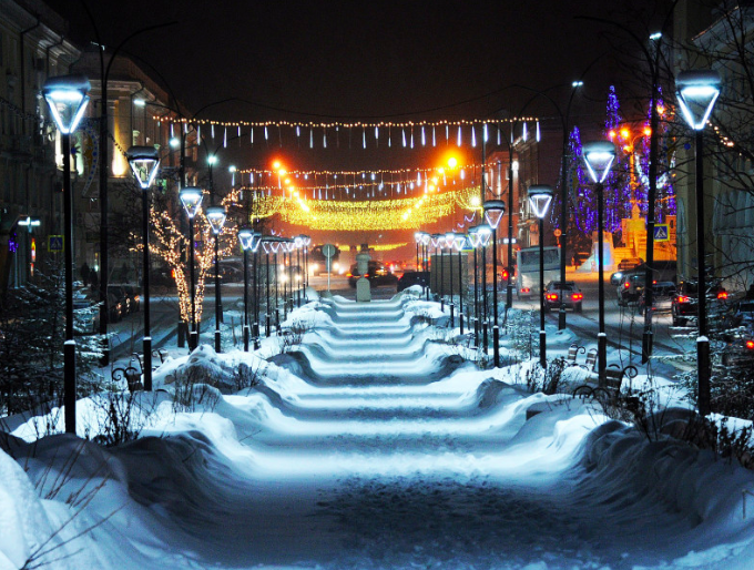Ангарский округ должен быть украшен к новогодним праздникам к 1 декабря.
