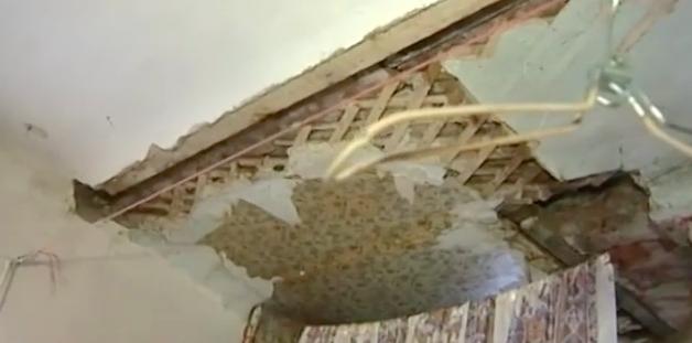 Провалившийся пол в одном из домов в Ангарске отремонтируют через 10 лет.