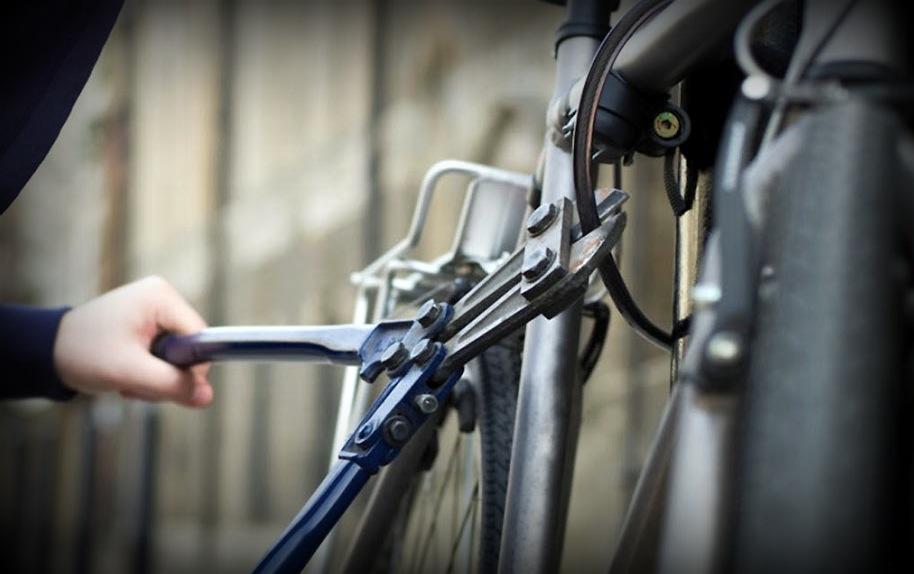 За 3 украденных велосипеда, почти по 3 года условно за каждый.