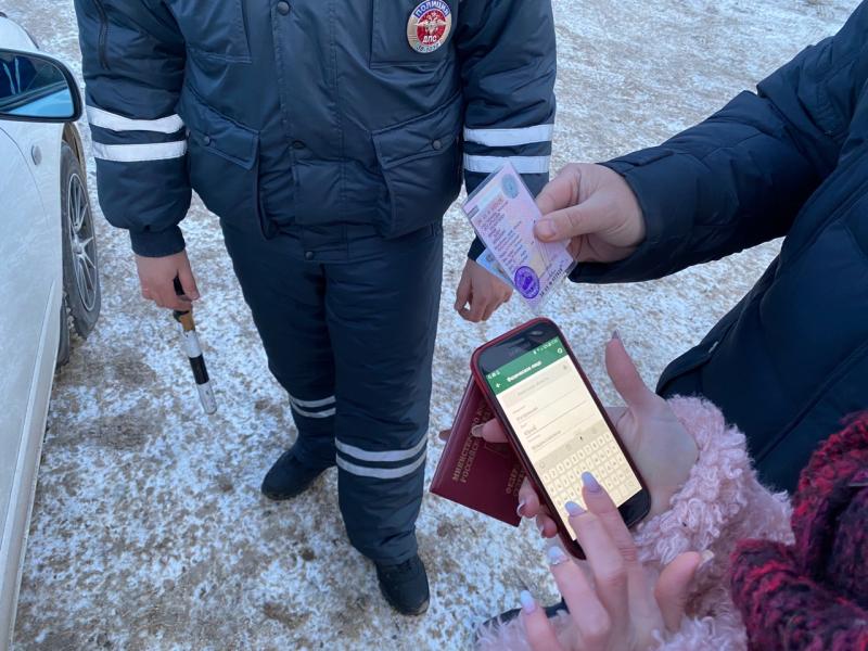 ССП Ангарска совместно с госавтоинспекторами проводит рейдовые мероприятия по выявлению злостных должников.