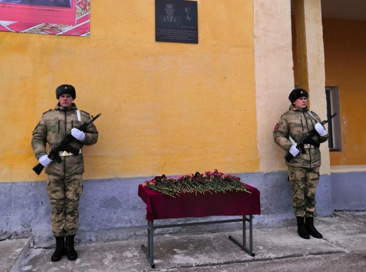 В Ангарске открыли мемориальную доску генерал-полковнику Игорю Груднову.