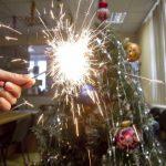 Правила пожарной безопасности при установки елок и использовании фейерверков