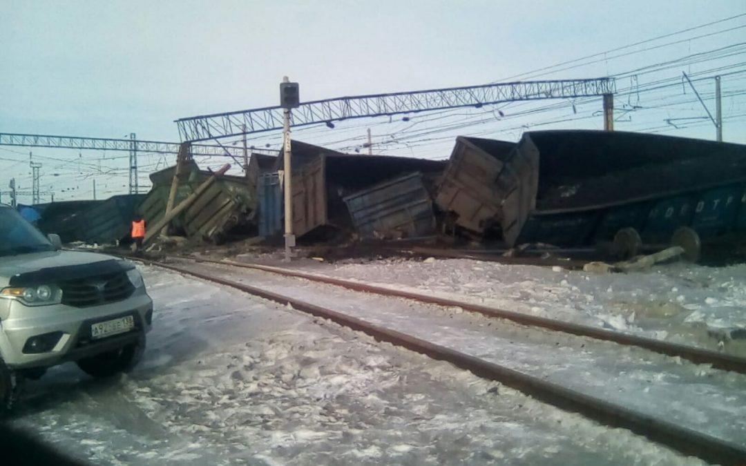 В Мегете сошли с рельсов грузовые вагоны (Обновлено)