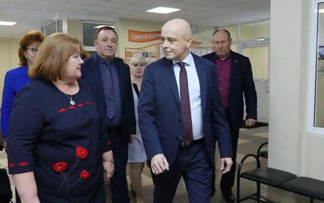 Сергей Сокол: депутаты ЗС работают по поручениям президента