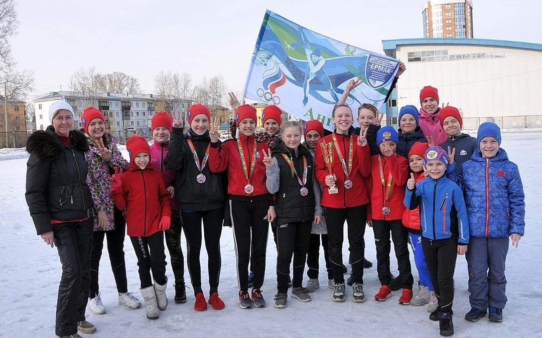 Юные конькобежцы привезли в Ангарск 8 медалей