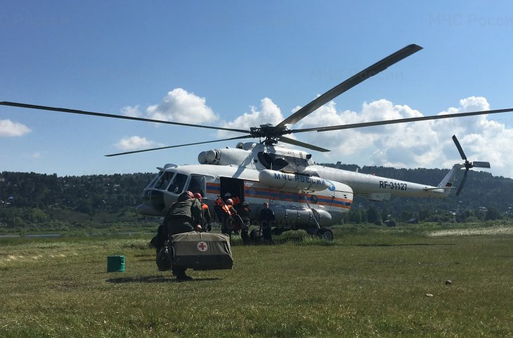 Вертолет Ми-8 вылетел на поиски терпящих бедствие туристов на реке Китой