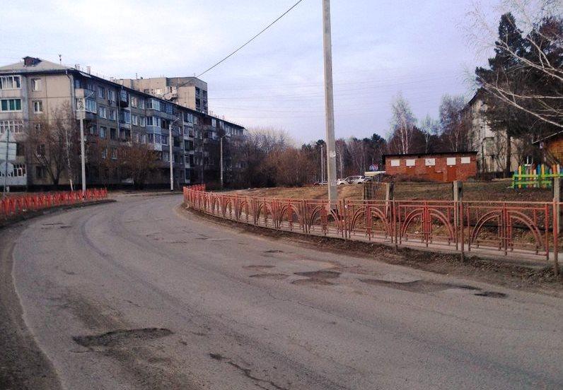 Дороги к школам и детским садам начали ремонтировать в Иркутской области