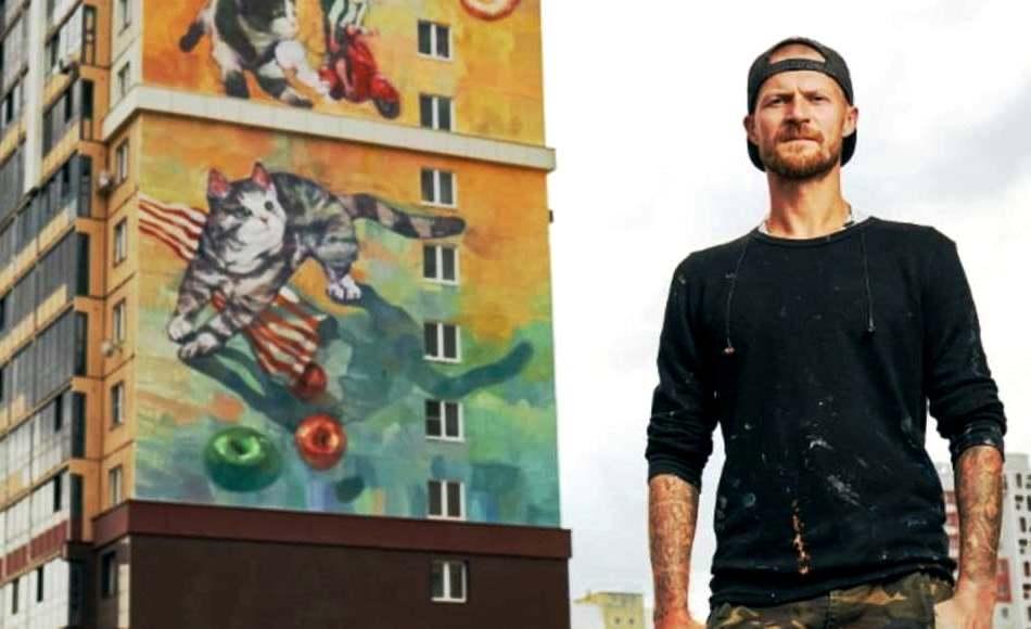Художник из Ангарска раскрасил многоэтажку в Челябинске (фото)