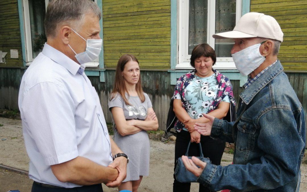 Рабочую поездку в Мегет провел мэр АГО Сергей Петров
