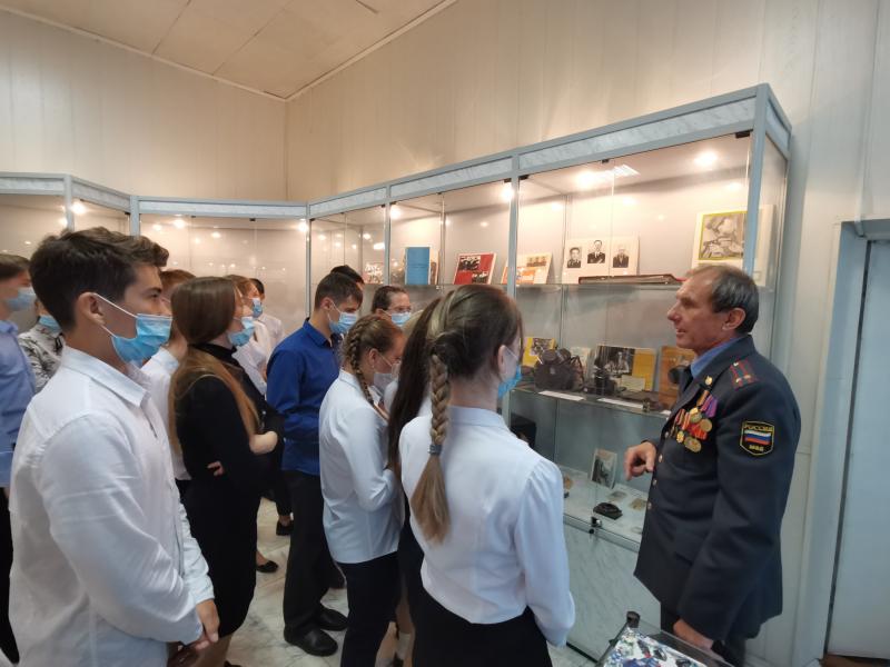 Ученики профильного МВД-класса посетили музей полиции Ангарска