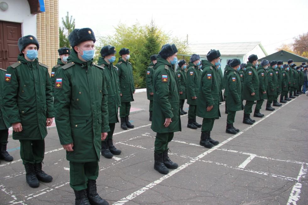 В войска отправили первых новобранцев осеннего призыва