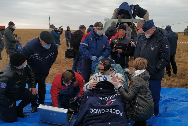 Экипаж Анатолия Иванишина благополучно вернулся на Землю
