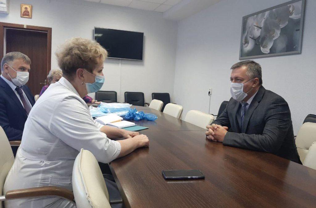 В пяти ковидных госпиталях Ангарска лежат 533 человека