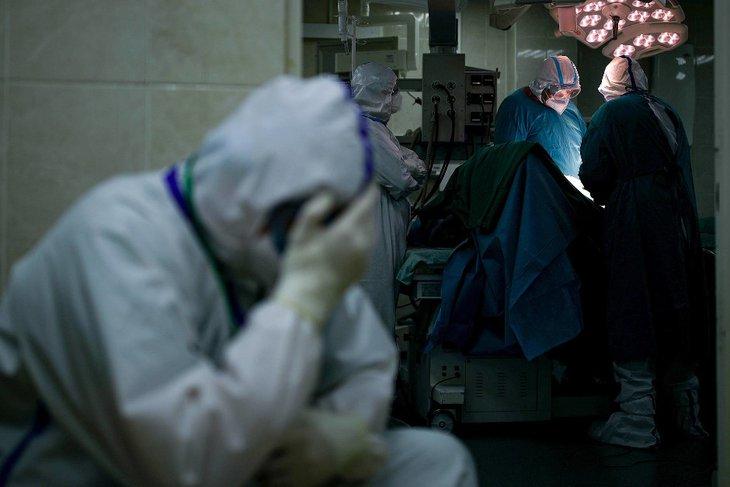 С ковид госпитализированы более 3 тысяч человек