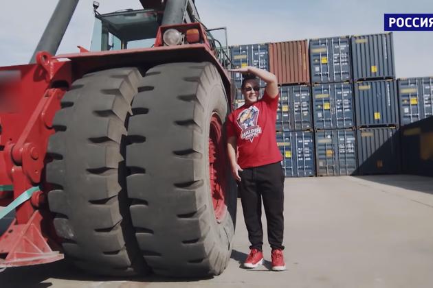 Иркутянка сдвинула 82-тонную машину в эфире телешоу (видео)