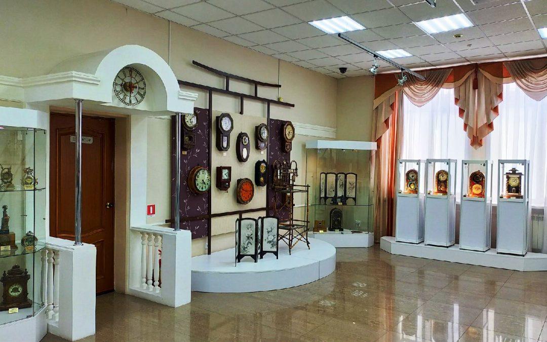 """В ангарском музее от землетрясения """"проснулись"""" старинные часы"""