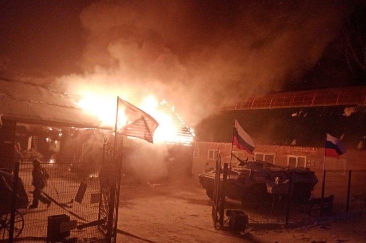 """Пожар в питомнике """"К-9"""""""