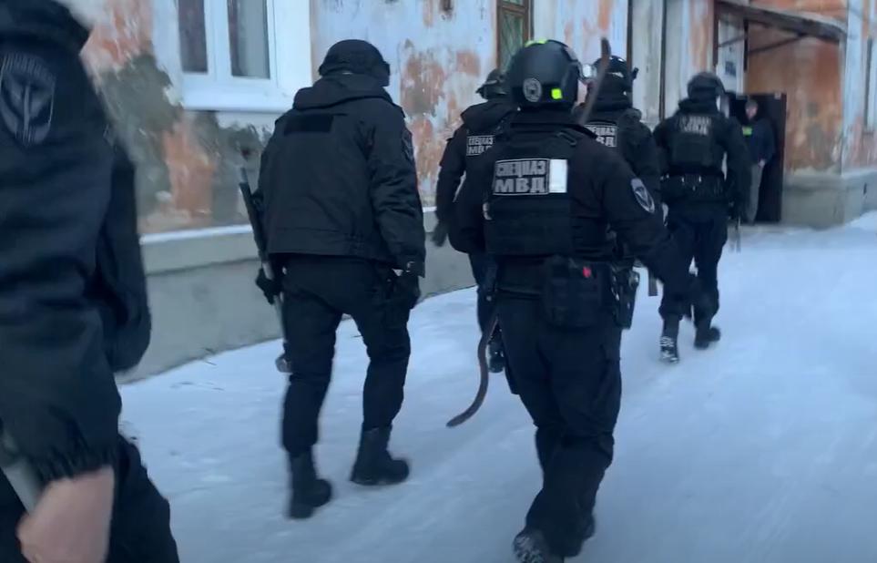 В Ангарске задержали наркоторговцев (Видео)