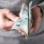 Ангарчанин оплатил алименты и штрафы на 500000 рублей, когда ему запретили продавать квартиру
