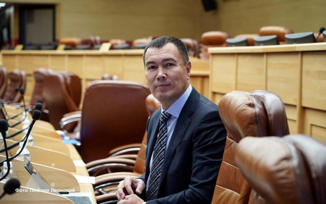 Евгений Сарсенбаев: Теперь больше времени отдаю семье